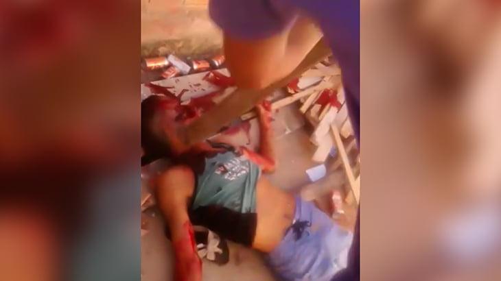 【閲覧注意】角材で頭を何度も殴られて殺される男の映像。