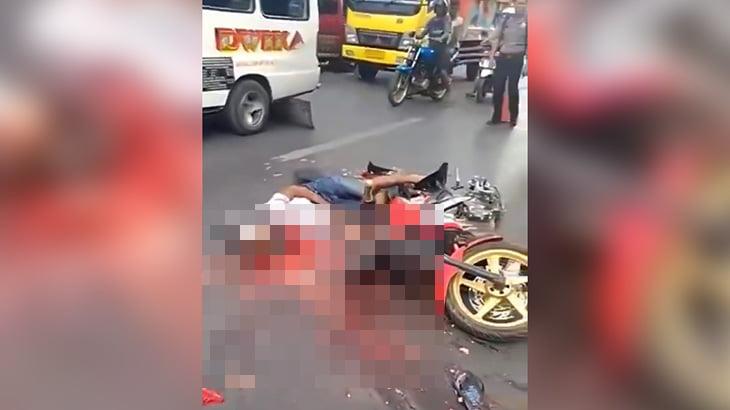 【閲覧注意】ヘルメットごと頭が潰れてしまった男性のグロ動画。