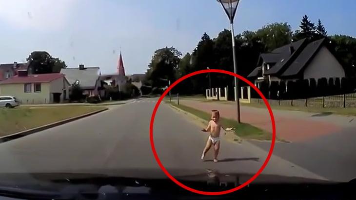 飛び出してきた子供を間一髪ブレーキで回避できた車載カメラ映像。