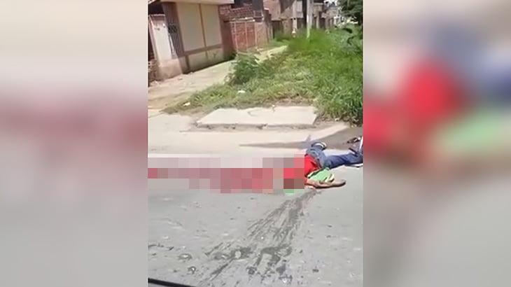 【閲覧注意】車に頭を潰されて死亡した男性のグロ動画。