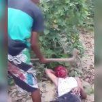 【閲覧注意】ホームレスの男がツルハシで殺されるグロ動画。