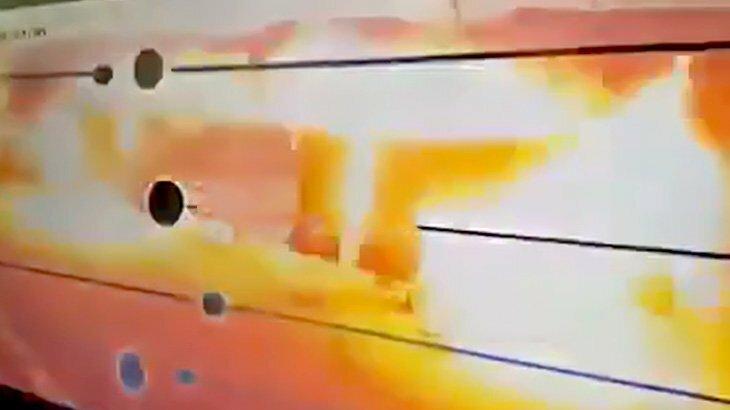 【衝撃映像】修理中のガソリンスタンドが爆発してしまう瞬間。