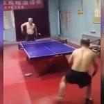 卓球を極めたとしか思えないおじいちゃんの映像。