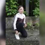 水溜りの水を飲むことを強要されてしまった女子高生の映像。