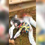 【閲覧注意】転倒したバイカーの身体がガードレールに激突して真っ二つになってしまったグロ動画。
