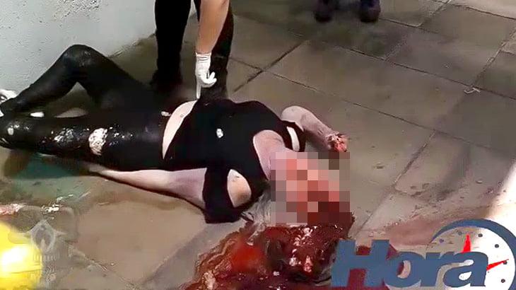 【閲覧注意】5階から飛び降り自殺した女性の頭が縦に割れてしまったグロ動画。