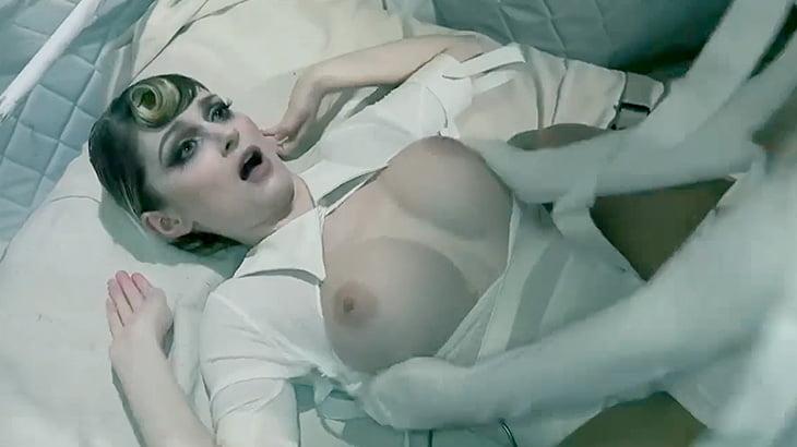 精神病院とエロスを掛け合わせた狂気的でエッチな動画。
