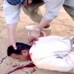 【閲覧注意】「アッラーフ・アクバル!」と叫びながら男性の首を切断するグロ動画。