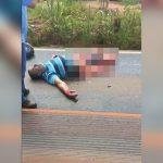 【閲覧注意】トラックに下半身を潰されてしまった男性のグロ動画。