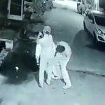 海外の路地裏がいかに危険かよく分かる強盗映像。