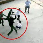 鎌を振り回し男の子の頭を斬りつけるイカれたジジイの映像。