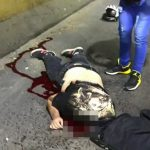 【閲覧注意】バイクで転倒した男性が頭と腕を切断されてしまった事故映像。