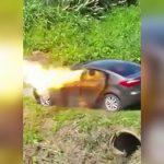 妻の目の前で車にガソリンぶち撒けて自殺する男の映像。