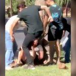 強盗の男が住民たちに捕まって顎を破壊されてしまった映像。