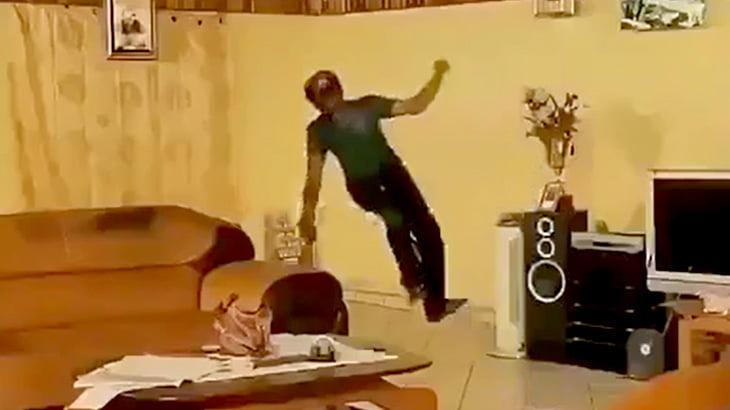 アフリカのTVドラマの編集が雑すぎてむしろ見たくなる映像。