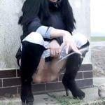 オシッコの勢いが凄すぎる女の子の映像。