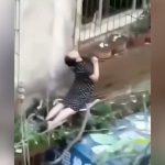 シャチホコみたいな格好で感電死してしまった女性の映像。