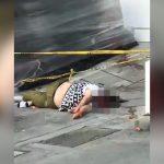 窓から飛び降りた女性が地面に激突して頭が割れてしまうグロ動画。