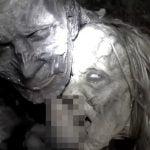 2人のゾンビ女にレイプされちゃうとかいうAV映像。