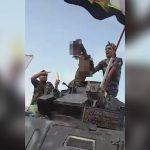 【閲覧注意】敵兵の切断した首を持ってパレードする兵士たちの映像。