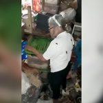 【閲覧注意】ゴミ屋敷に住むおばあちゃん、身体をゴキブリに這いずり回られても全然気にしない・・・。