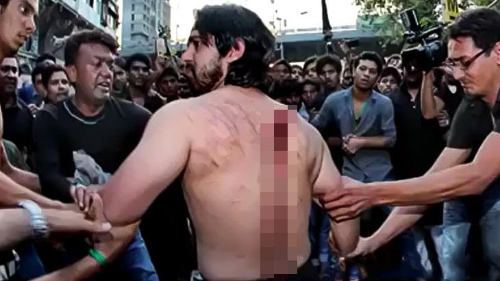 【閲覧注意】イスラム教の宗教行事「アーシューラー」で自分の身体を切り裂く男たちの映像。