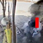 【動画】整備士の男性、タイヤの爆発で頭を粉砕されて死んでしまう・・・