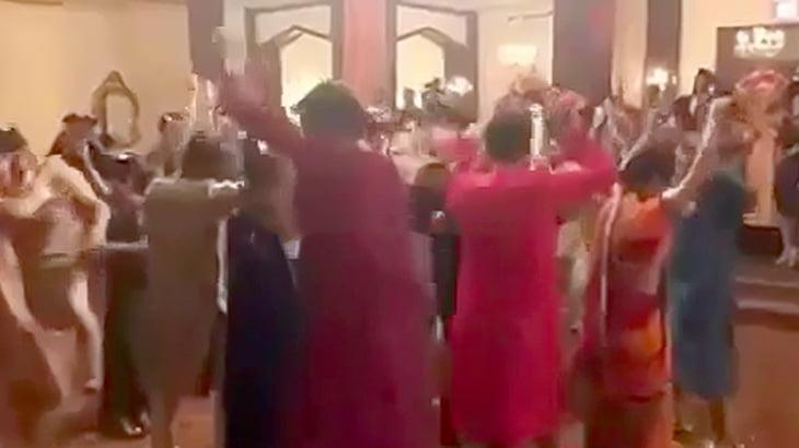 【動画】フロアでノリノリで踊ってた数十人、ボッシュートされてしまうww