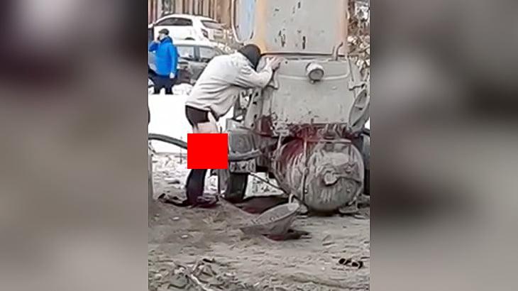 【閲覧注意】建設現場で作業員の右脚がちぎられてしまった映像