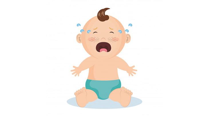 生まれたばかりの赤ちゃんの身体に雪をこすりつけて笑う女(動画)