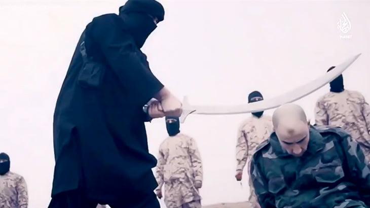 【閲覧注意】捕虜の首を大きな刀で一刀両断するスローモーション映像