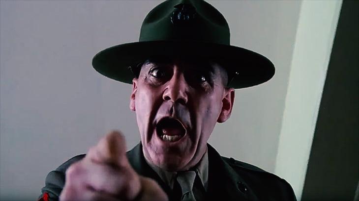 上官にブチ切れた兵士さん、銃で撃ち殺してしまう(動画)