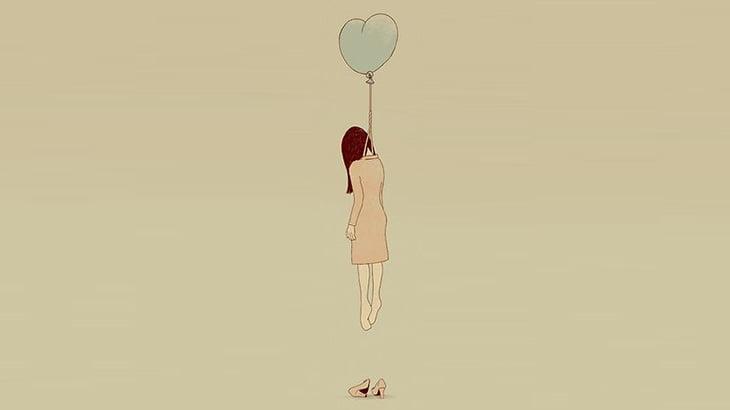 屋上からロープをぶら下げて首吊り自殺した女性(動画)