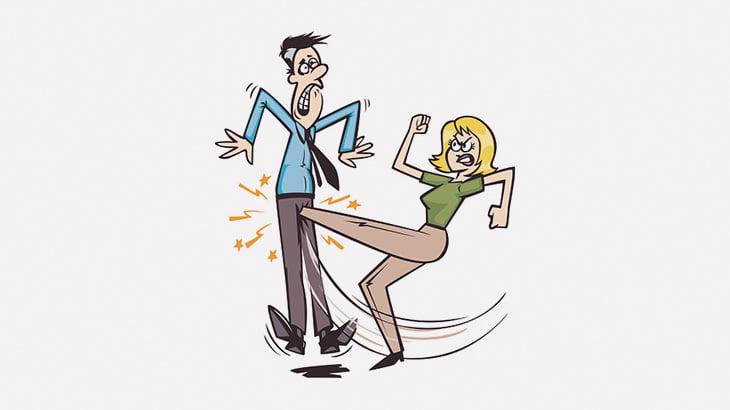 女性のタマキン蹴り一発で身悶える男たち(動画)