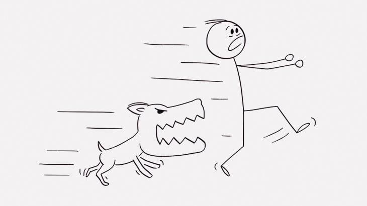 犬に驚かされた男、トラックに轢かれてしまう(動画)