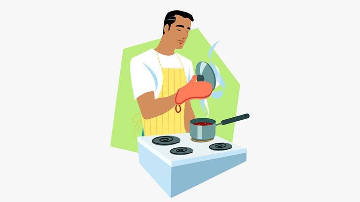 キッチンで料理を作っていた男、爆発で吹き飛ばされてしまう(動画)
