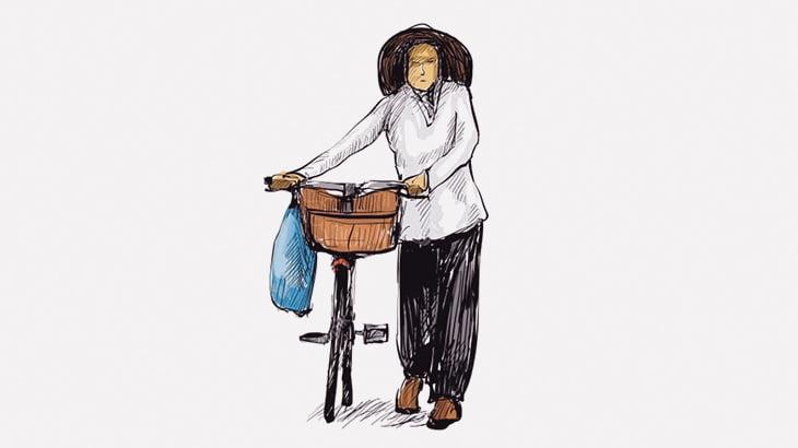 めちゃくちゃ迷惑な自転車のおばちゃんが撮影される(動画)