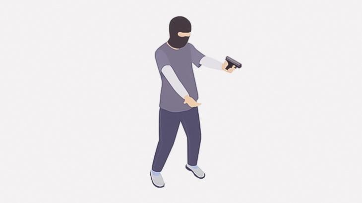 銃を持った強盗、2人の店員にボコられる(動画)