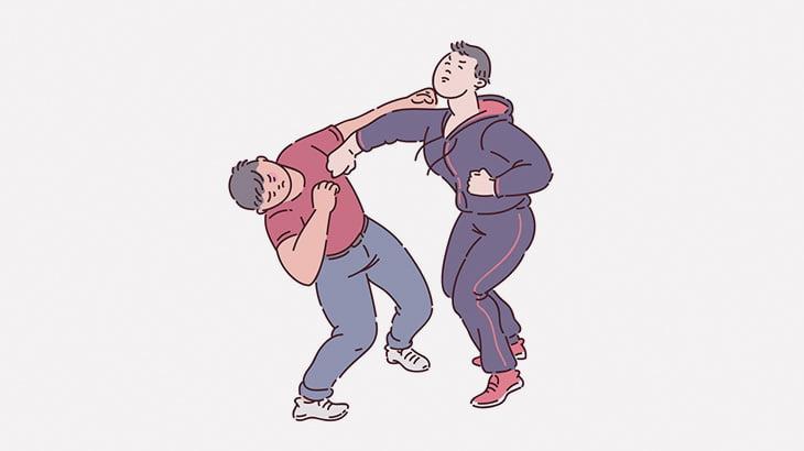 喧嘩相手を持ち上げて地面に叩きつけようとした男、なぜか自分がノックアウト(動画)