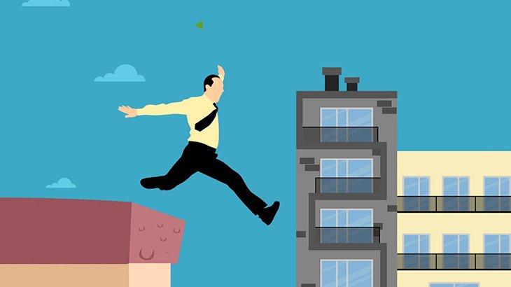 9階の高さから飛び降りた男、奇跡的に生き延びてしまう(動画)