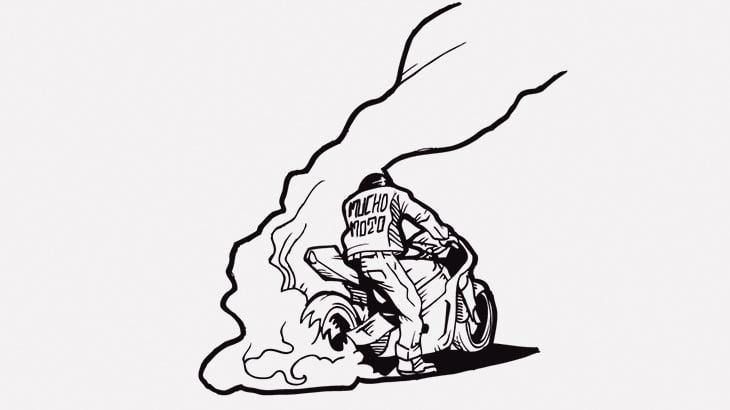 バイクの後輪をその場で回転させてた男、崖に落ちてしまう(動画)